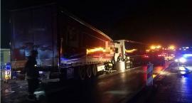 Zderzenie ciężarówek przy centrum handlowym pod Ciechanowem [zdjęcia]