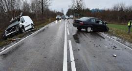 Czołowe zderzenie BMW z Citroenem