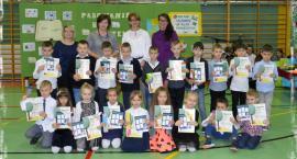 Pasowanie na czytelnika w Szkole Podstawowej nr 4 w Ciechanowie [zdjęcia]