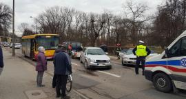 Z ostatniej chwili: Zderzenie dwóch samochodów i autobusu w centrum Ciechanowa