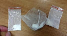 Posiadali amfetaminę. Dwóch młodych mężczyzn w rękach policji