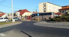 Mężczyzna zginął pod kołami autobusu. Tragiczny wypadek u sąsiadów