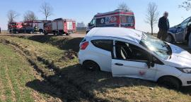 Volkswagen zderzył się z Fordem. Poszkodowana matka z dzieckiem [zdjęcia]