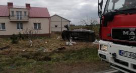 Wypadek i zablokowana droga pod Ciechanowem [zdjęcia]