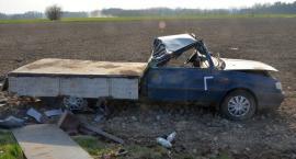 Ciężarówka uderzyła w Poloneza [zdjęcia]