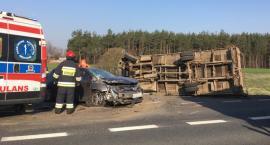 Wypadek podczas wyprzedzania. Toyota uderzyła w dostawczaka [zdjęcia]]