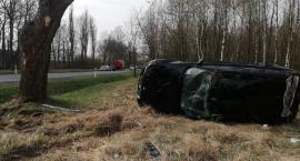 Zderzenie Opla z BMW w gminie Ojrzeń. Sprawca odjechał z miejsca zdarzenia [zdjęcia]