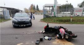 Zderzenie osobówki z motorowerem w gm. Sońsk [zdjęcia]