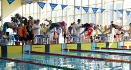 Uczniowie z całej Polski pływają w Ciechanowie