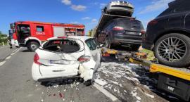 Zderzenie samochodu osobowego i dwóch ciężarówek [zdjęcia]