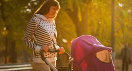 Akcesoria do wózka, które ułatwią urlop z niemowlakiem. Zbierz je wszystkie!
