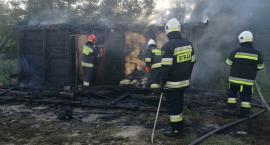 W gminie Ojrzeń spłonął domek letniskowy [zdjęcia]