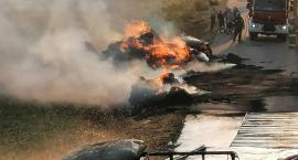 Przyczepy rolnicze zapaliły się na środku drogi [zdjęcia]