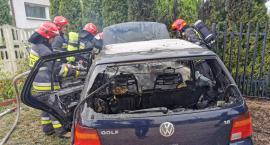 Pożar przy zakładzie pogrzebowym w Ciechanowie. Spłonął samochód [zdjęcia]