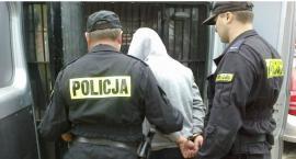Policja zatrzymała w Ciechanowie 5 osób. Odpowiedzą za posiadanie i handel narkotykami