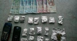 Miał 17 porcji marihuany, 520 złotych - grozi mu 8 lat więzienia