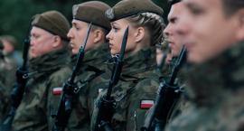 Przysięgali w koszarach. 14 mieszkańców pow. ciechanowskiego wśród nowych Terytorialsów [zdjęcia]