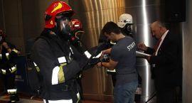 Strażacy z Ciechanowa wbiegli na szczyt biurowca (zdjęcia)
