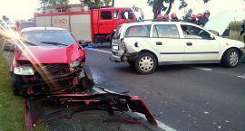 Trzy samochody zderzyły się na Płockiej. Ranni trafili do szpitala (zdjęcia)