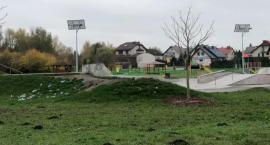 Wasze Info: Śmieci fruwają po skateparku i nikt ich nie sprząta