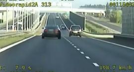 Grupa Speed zatrzymała trzech piratów drogowych. Rekordzista pędził 240 km/h [wideo]