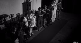 Teatr Rozmyty Kontrast wystawił spektakl Ich Czworo