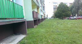 5-letnie dziecko wypadło z balkonu bloku na Sikorskiego (akt.)