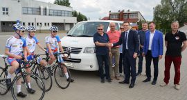 Samochód dla kolarzy z Ciechanowa. Zakup dofinansowało miasto