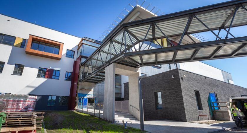 Inwestycje, Dobiega końca budowa szpitala Bielanach [FOTO] - zdjęcie, fotografia