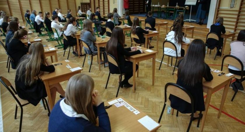 Wiadomości, Język angielski część rozszerzona Sprawdź arkusz egzaminacyjny! - zdjęcie, fotografia