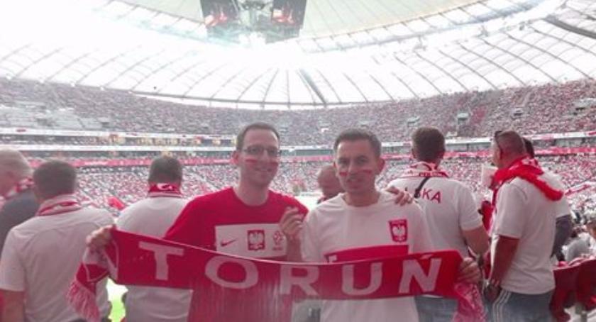 Wiadomości, Torunianie meczu Polska Rumunia Zobacz dopingował biało czerwonym! [FOTO] - zdjęcie, fotografia