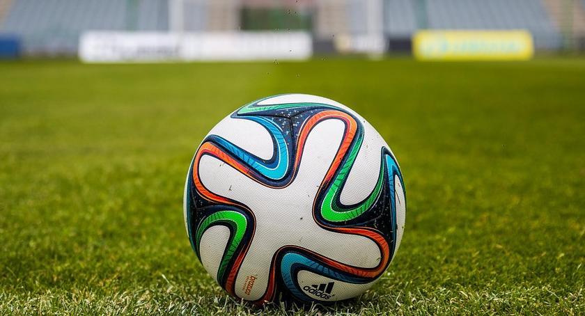 Piłka Nożna, stadion piłkarski Toruniu - zdjęcie, fotografia
