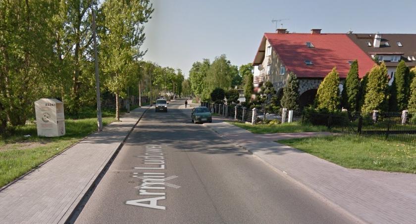 Wiadomości, Agresywny mężczyzna zatrzymywał samochody ulicy! - zdjęcie, fotografia