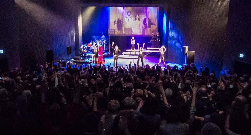 Koncerty, Rewię Szlagierów Musicalowych Kocham Broadway - zdjęcie, fotografia