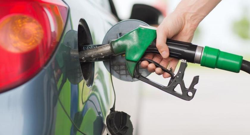Drogi, Uwaga chrzczone paliwo! Sprawdź jakich stacjach benzynowych wykryto nieprawidłowości - zdjęcie, fotografia