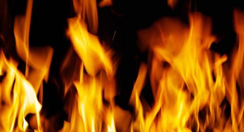 Straż pożarna, Tragiczny pożar Toruniu żyje jedna osoba! - zdjęcie, fotografia