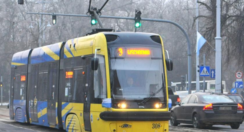 Komunikacja miejska, wprowadza feryjne rozkłady jazdy Pasażerowie mocno wkurzeni! - zdjęcie, fotografia