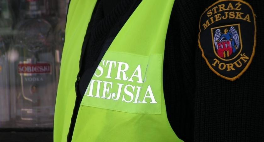 Sprawy kryminalne, Interwencja strażników przystanku Nastolatek trafił szpitala! - zdjęcie, fotografia