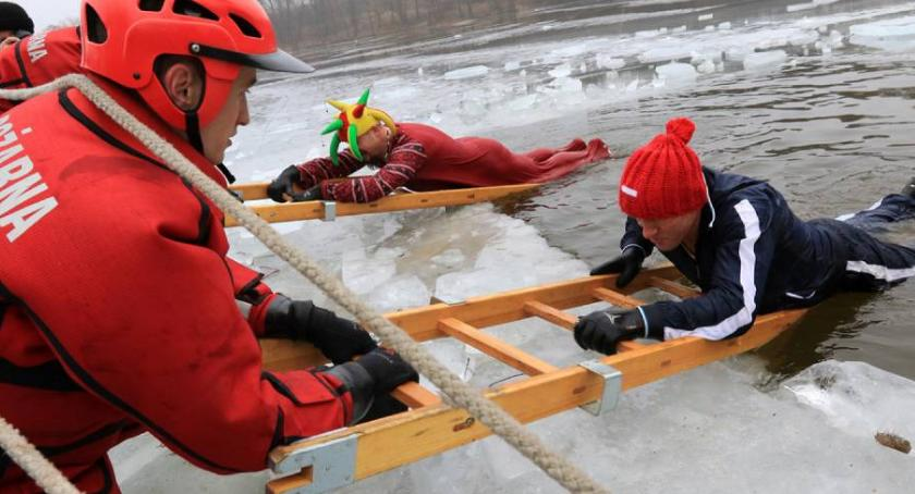 Inne dyscypliny, Zalesiu morsy wykąpią lodowatej wodzie! - zdjęcie, fotografia