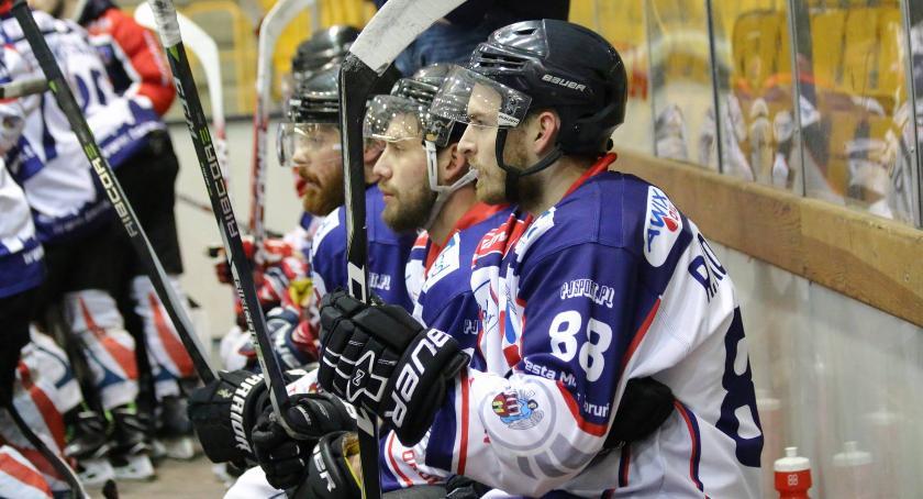 Inne dyscypliny, Nesta Mires Toruń jedną nogą hokejowej Ekstralidze - zdjęcie, fotografia