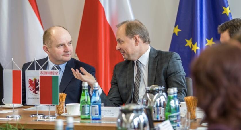 Kujawsko-Pomorskie, Toruniu politycy rozmawiają biznesie Białorusinami - zdjęcie, fotografia