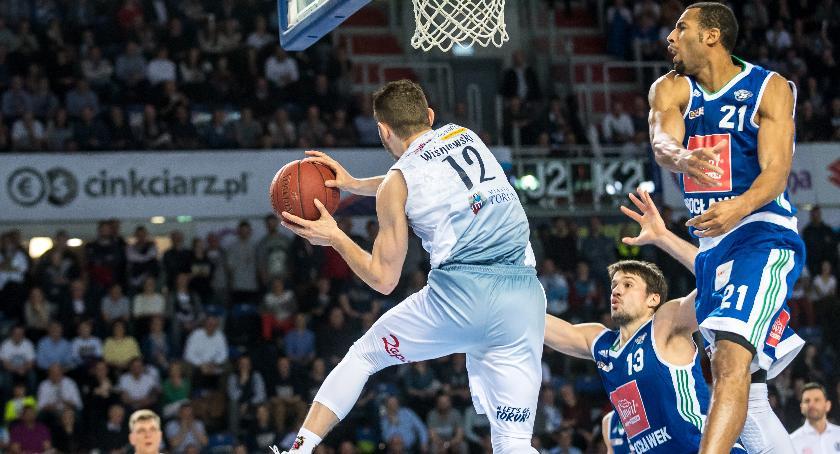 Koszykówka, Toruń rządzi regionie Derbowe zwycięstwo Twardych Pierników [FOTO] - zdjęcie, fotografia