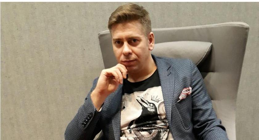 Opinie, Tomasz Głuszek biznesie dresie [FELIETON] - zdjęcie, fotografia