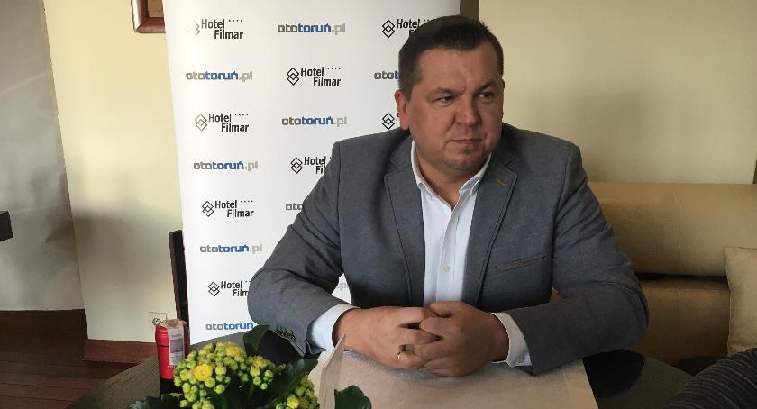 Rozmowy, Arkadiusz Brodziński ciekawą alternatywę funkcjonowania Torunia! - zdjęcie, fotografia