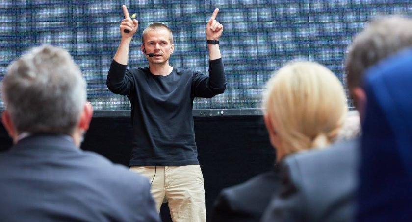 Wiadomości, Eksperci Google Microsoft podpowiedzą poprowadzić biznes Toruniu - zdjęcie, fotografia