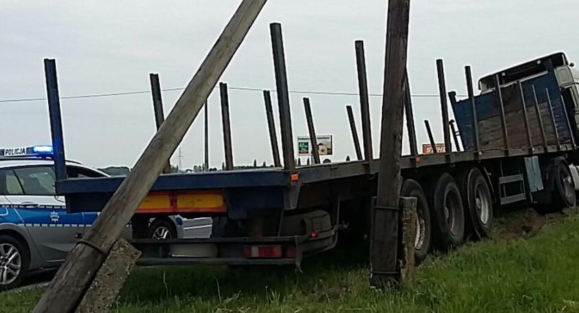 Wypadki, Drogowe zdarzenie Toruniem [FOTO] - zdjęcie, fotografia