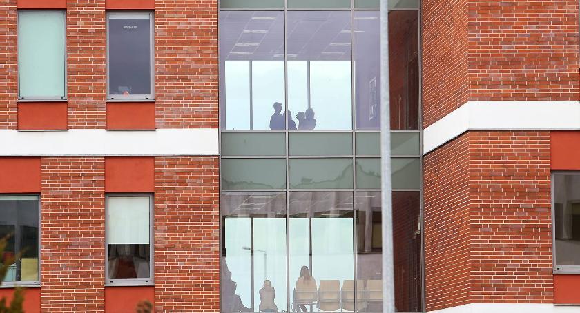 Uczelnie wyższe, Profesor molestował seksualnie studentki - zdjęcie, fotografia