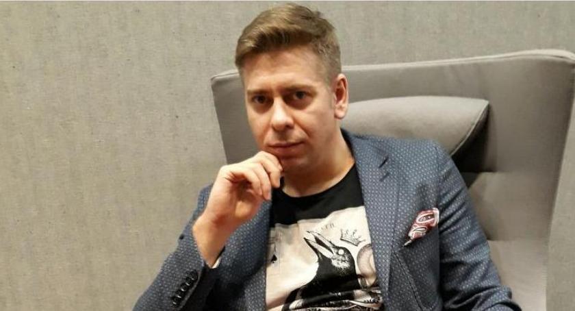 Opinie, Tomasz Głuszek koszulach krótkim rękawem - zdjęcie, fotografia