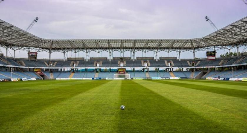 Piłka Nożna, Toruniu powstanie nowoczesny kompleks sportowy siecią usługowo handlową! - zdjęcie, fotografia