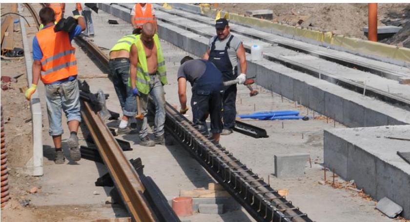 Komunikacja miejska, Uwaga! Rusza budowa torowiska Szosie Chełmińskiej Będą zmiany ruchu komunikacji miejskiej - zdjęcie, fotografia